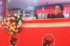 Megawati ditanya soal kader dicalonkan menteri: Tunggu tanggal mainnya