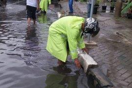 Pemkot Banda Aceh siagakan tim reaksi cepat antisipasi  banjir
