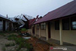 Rumah rusak diterjang puting beliung jadi 97 unit di Aceh Timur