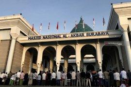 Khatib Masjid Al Akbar mengajak jamaah doakan umat berhaji dapat kemudahan