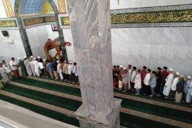Khatib Masjid Agung Karawang: Hikmah Idul Adha, manusia harus hilangkan sifat kebinatangan