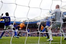 VAR gagalkan Wolves petik kemenangan di Leicester