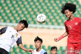 Timnas U-18 menang berkat gol bunuh diri Laos