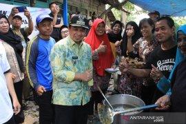Ibnu Sina hadiri syukuran kurban di Pulau Bromo