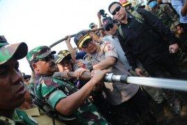 Panglima TNI dan Menteri KLHK tinjau lokasi Karhutla di  Riau