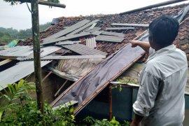 Ini jumlah kerugian akibat bencana selama Juli di Sukabumi
