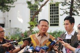 Bambang Soesatyo meminta Komisi I DPR lakukan kajian untuk menentukan sifat gerakan di Papua