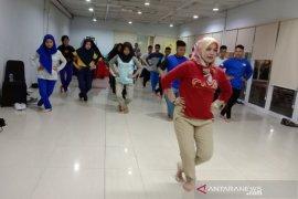 23 pelajar SMN asal Babel belajar menari