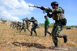 Marinir Indonesia-Amerika berlatih menembak