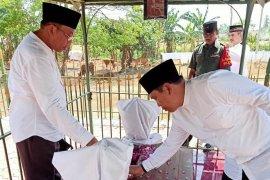 Peringati Harjakasi-HUT RI, Bupati-Wabup Situbondo ziarah makam Pahlawan Nasional