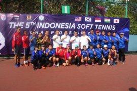 Atlet putri ciptakan All Indonesia Final soft tenis