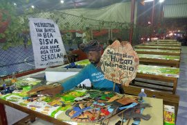Pejalan kaki Indramayu-Jakarta berharap bisa temui Presiden Jokowi