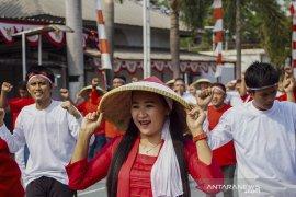 Rekor Muri Tari Kolosal Indonesia Bekerja