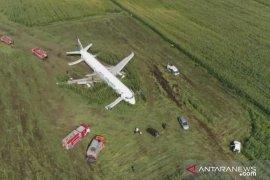 Drones flying around airport endanger flight