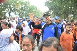 Ribuan peserta ramaikan gerak jalan sehat ceria di Tebing Tinggi