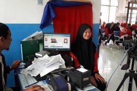 Disdukcapil Aceh Tengah rekam KTP Elektronik  Paskibra