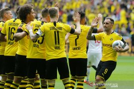 Dortmund buka musim hancurkan Augsburg 5-1