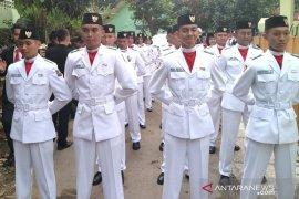29 siswa Bogor tampil menegangkan saat kibarkan bendera di Sempur