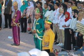 Warga Gorontalo apresiasi peserta upacara BUMN kenakan pakaian adat