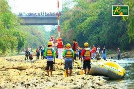 Keenam kalinya KDC kibarkan bendera di Sungai Ciliwung