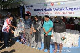 PLN Aceh salurkan 1.000 paket sembako Murah di Banda Aceh