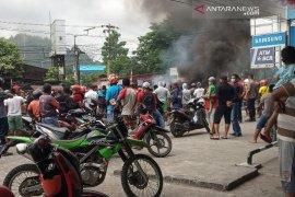 Sejumlah jalan utama di Manokwari Papua Barat lumpuh