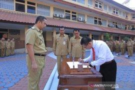 Edi Candra dilantik sebagai Direktur TNG oleh Wali Kota Tangerang
