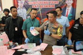 Tiga pelaku rekondisi meterai ditangkap Polres Jakarta Selatan