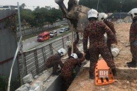 Dua WNI tewas tertimpa dinding beton