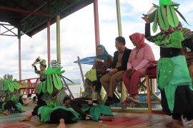 Tim Kemenpar lakukan penilian di Kampung wisata warna-warni