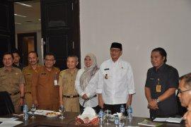 Minta tambahan bantuan keauangan, Bupati Pandeglang temui Gubernur Banten