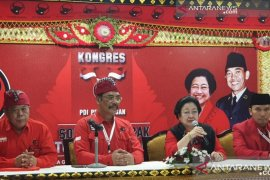Megawati dianggap keliru menekan Jokowi