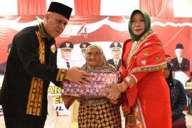 Bupati Aceh Tengah undang perempuan berusia 134 tahun