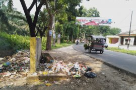 Warga minta Pemkab Asahan perbaiki bak sampah rusak