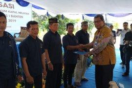 Kapal Nelayan di wilayah Banten mendapatkan Pas Kecil dari KSOP Banten secara gratis