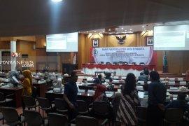 49 anggota DPRD Surabaya periode 2019-2014 dilantik 24 Agustus