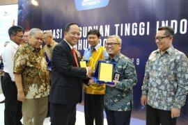 Telkom University peringkat pertama PTS di Indonesia