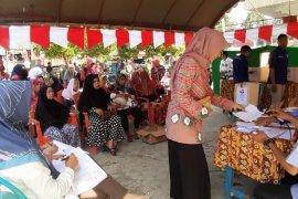 Satu perangkat e - voting di Desa Tanta macet