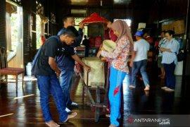SMN Sulawesi Tenggara kagumi pelestarian Rumah Adat Belitung