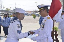 Danlantamal V lepas 233 personel TNI AL pensiun