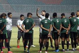 Simon McMenemy ingin timnas Indonesia bermental baja