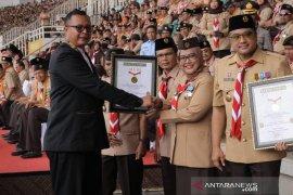 Aksi kolosal ribuan anggota pramuka di Cibinong Bogor cetak rekor dunia