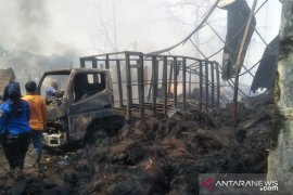Kebakaran landa pabrik pengolahan ijuk di Cianjur