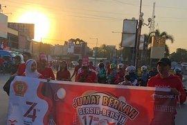 """HUT RI, Telkomsel Branch Mataram gelorakan spirit """"Jumat Berkah"""""""