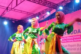 Kontingen Kwarda Gorontalo tampilkan tarian Saronde di Kemah Budaya Nasional