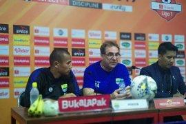 Pelatih Persib berang timnya cuma imbang lawan Badak Lampung