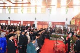 Bupati Rejang Lebong harapkan anggota DPRD baru tingkatkan disiplin