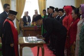 25 anggota DPRD Kota Mojokerto resmi dilantik