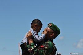 KEPULANGAN PRAJURIT TNI AD PAMTAS RI-PNG Page 1 Small