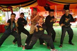 Tuo silek: Learning silek minangkabau doesn't have at night